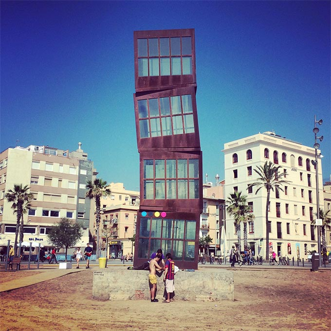 029-CMYK_Dots-Barceloneta-Beach@2x