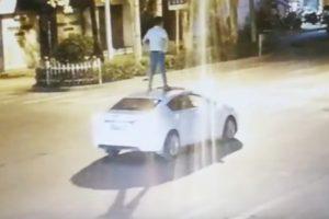 surfen auf selbstfahrem auto