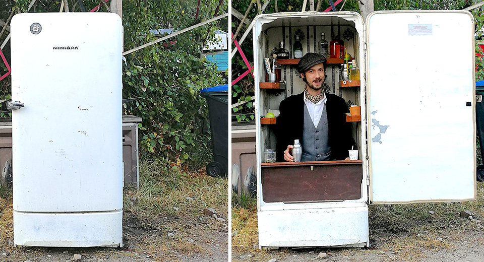 Minibar Als Kühlschrank Nutzen : Eine komplette bar in einem alten kühlschrank der irgendwo in der