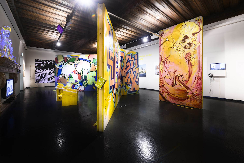 """Ausstellungsansicht """"Graffiti & Bananas. Die Kunst der Straße"""", Nordico Stadtmuseum Linz, 2020, Foto: Norbert Artner"""